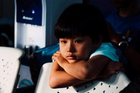 Травмите в детството засягат мозъка и повишават риска от употребата на вещества в юношеството
